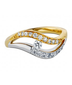 Beautiful Two Tone Diamond Ring in 18k Yellow Gold