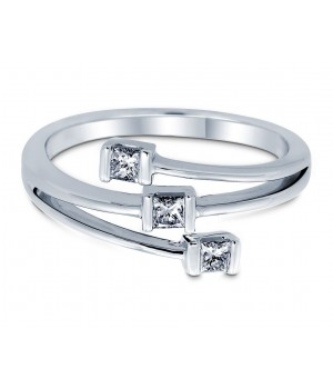 Trinity Princess Diamond Ring in 18k White Gold DRC1017