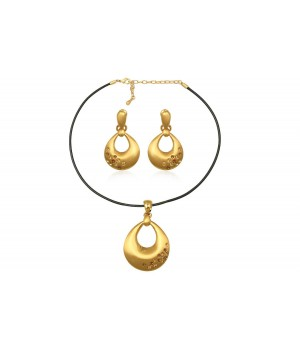 Yellow Gold Plated Set With Crystals